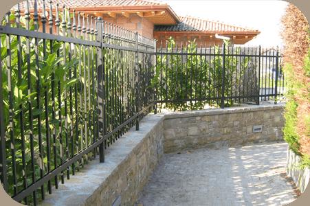 Sensori TORSUS su recinzione residenziale